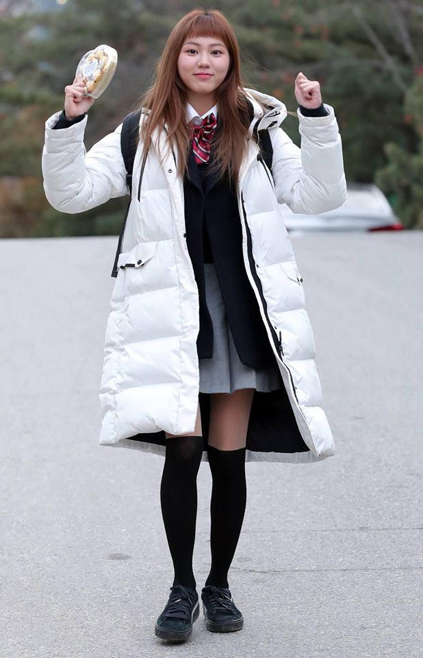 Loạt sao Hàn dự thi đại học: Tiểu Jeon Ji Hyun nổi bật với nhan sắc xinh đẹp-6