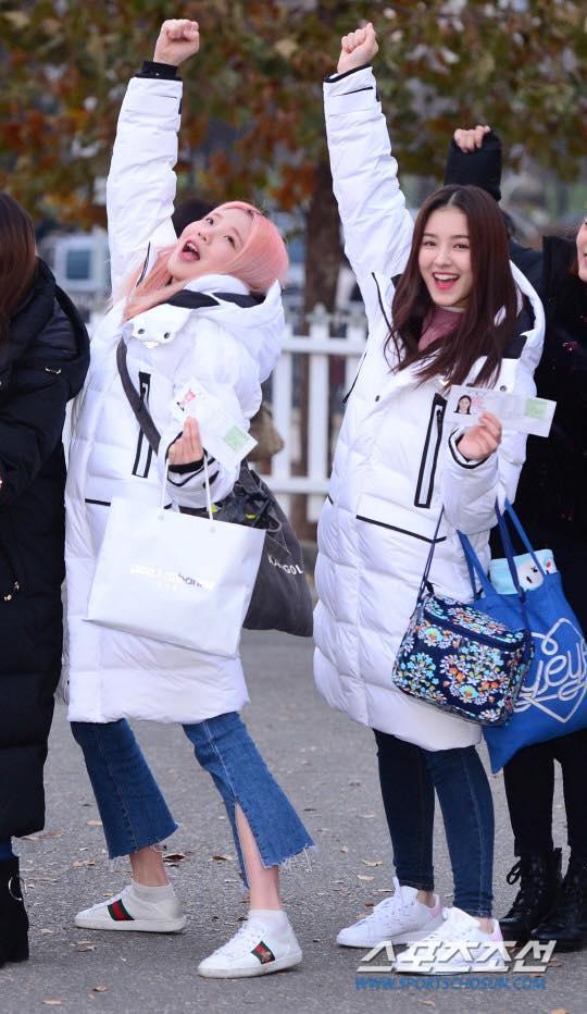 Loạt sao Hàn dự thi đại học: Tiểu Jeon Ji Hyun nổi bật với nhan sắc xinh đẹp-7