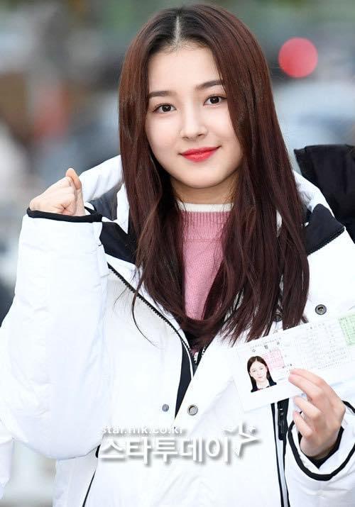 Loạt sao Hàn dự thi đại học: Tiểu Jeon Ji Hyun nổi bật với nhan sắc xinh đẹp-8