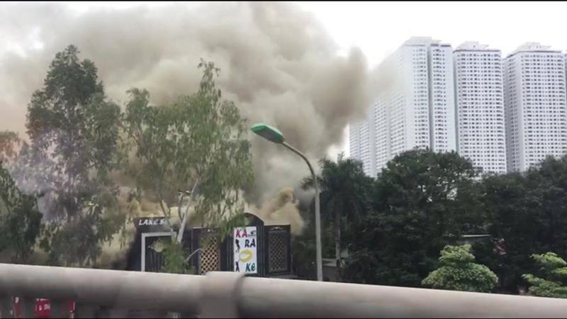 Hà Nội: Cháy lớn quán karaoke ở Linh Đàm-5