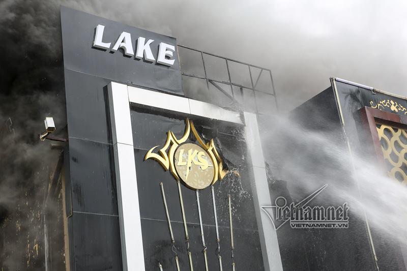 Hà Nội: Cháy lớn quán karaoke ở Linh Đàm-6