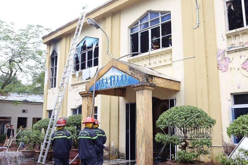 Hà Nội: Cháy lớn quán karaoke ở Linh Đàm-10