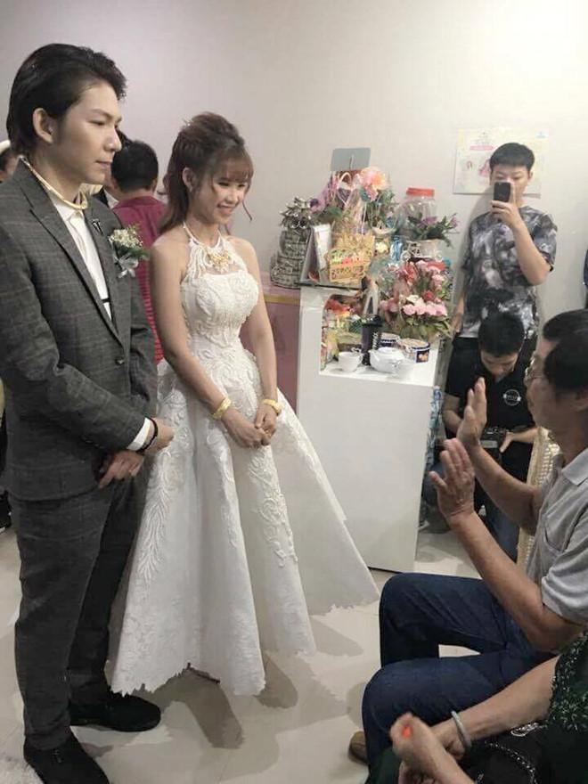 Ai là mỹ nhân diện váy cưới xuất sắc nhất trong đám cưới tháng 10 cổ tích?-1