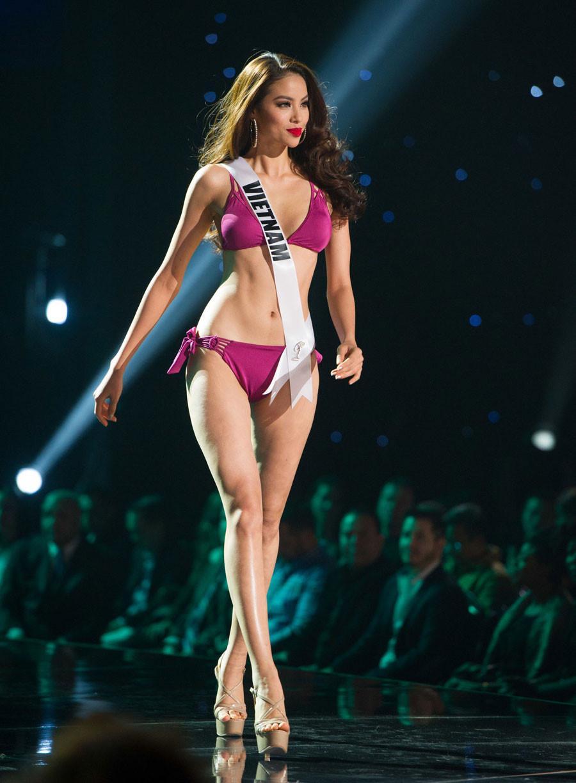 Cùng diễn bikini tại sân khấu Hoa hậu Hoàn vũ Thế giới, mỹ nhân Việt nào catwalk ấn tượng nhất?-8