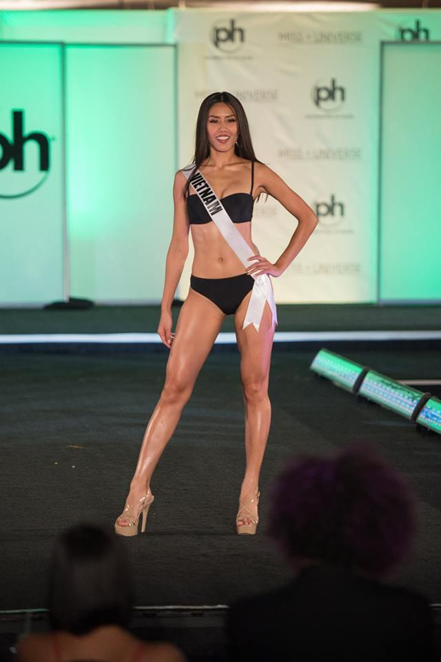Cùng diễn bikini tại sân khấu Hoa hậu Hoàn vũ Thế giới, mỹ nhân Việt nào catwalk ấn tượng nhất?-11