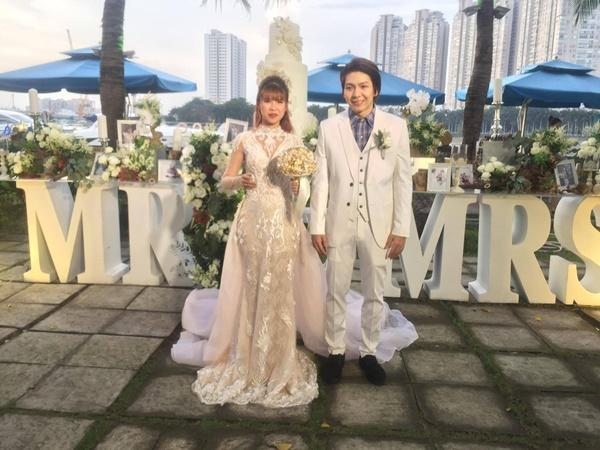 Cô dâu Khởi My hôn chú rể Kelvin Khánh say đắm trong đám cưới-4
