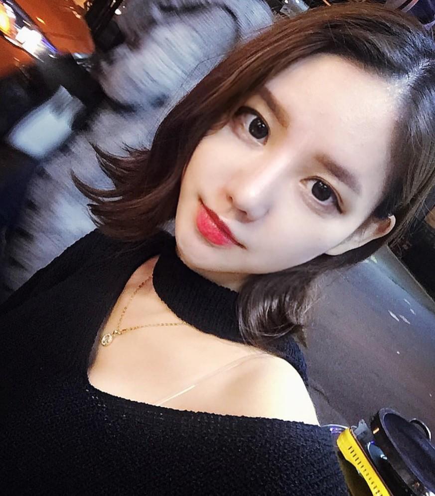 Cô bạn xinh đẹp Hàn Quốc gây chú ý với vòng 1 đẫy đà bị nghi phẫu thuật thẩm mỹ-5