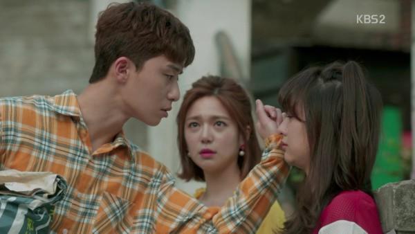 Đây đích thị là 3 kiểu thả thính gây ngứa mắt của các chị em phim Hàn!-4