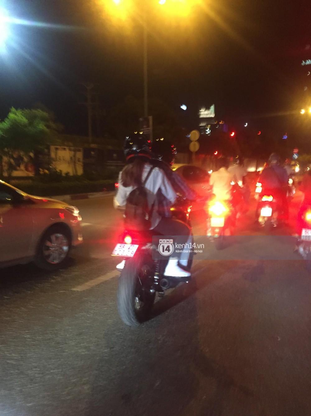 Clip: Kết thúc đám cưới, vợ chồng Khởi My - Kelvin Khánh cưỡi mô tô về nhà, ôm lấy nhau không rời-5