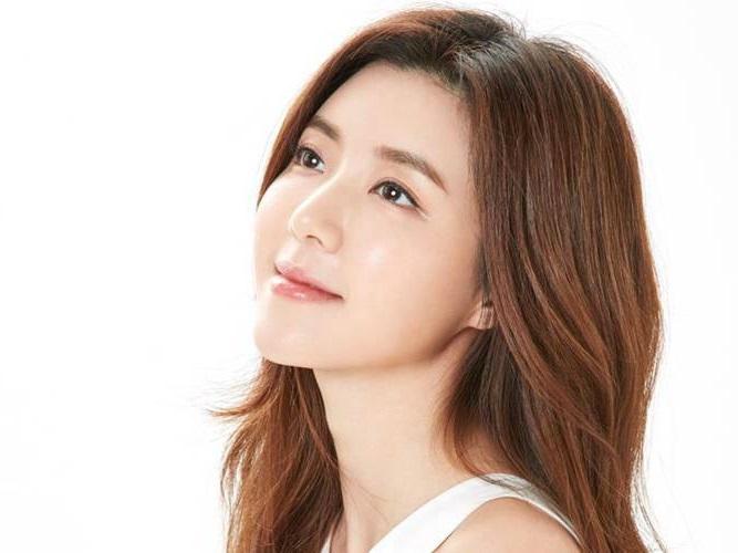 'Tình cũ Se7en' Park Han Byul bất ngờ thông báo mang thai
