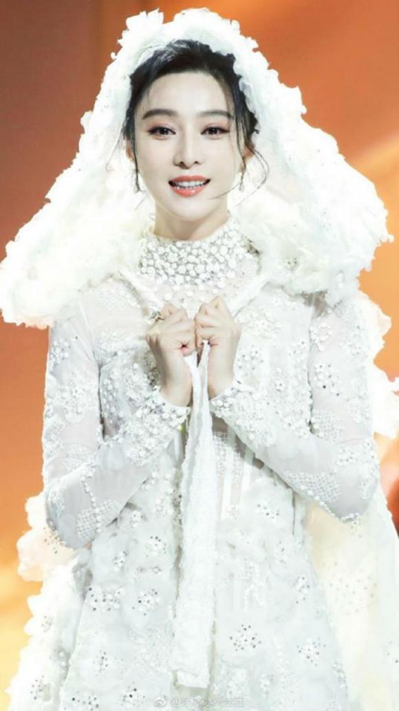 Chưa cưới Lý Thần nhưng Phạm Băng Băng đã mặc đồ trắng tinh khôi không khác gì cô dâu-2