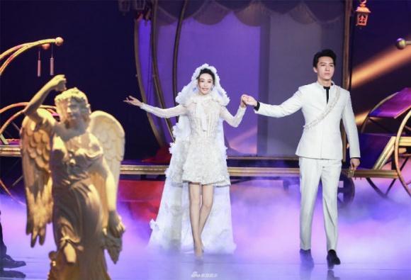 Chưa cưới Lý Thần nhưng Phạm Băng Băng đã mặc đồ trắng tinh khôi không khác gì cô dâu-3