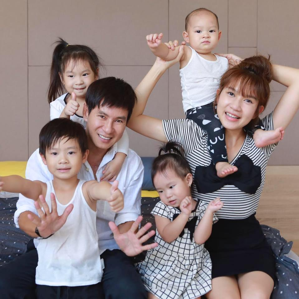 Lý Hải nói về việc sinh nhiều con: 4 nhóc như bây giờ là đủ, 5 lại bị lẻ, phải đến 6 mới đồng đều-3