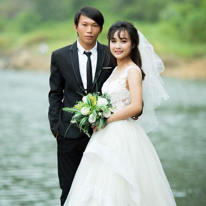 Cô dâu Huế vui vẻ mặc áo dài, quần đùi hồng trong ngày cưới-4