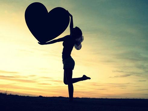 Con gái khi yêu hãy là một bà hoàng, tự mình làm chủ trong tình yêu