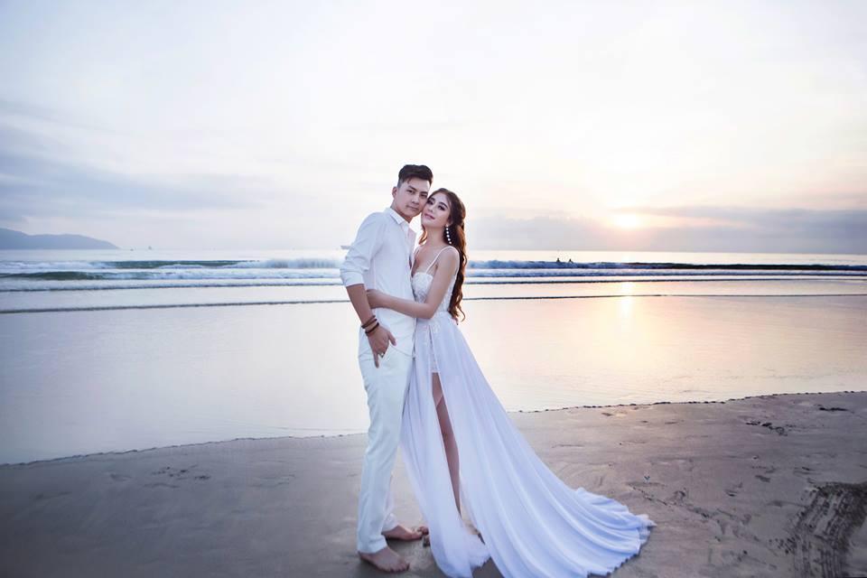 Ngắm bộ ảnh cưới lãng mạn trên biển của Lâm Khánh Chi và chồng trẻ-3