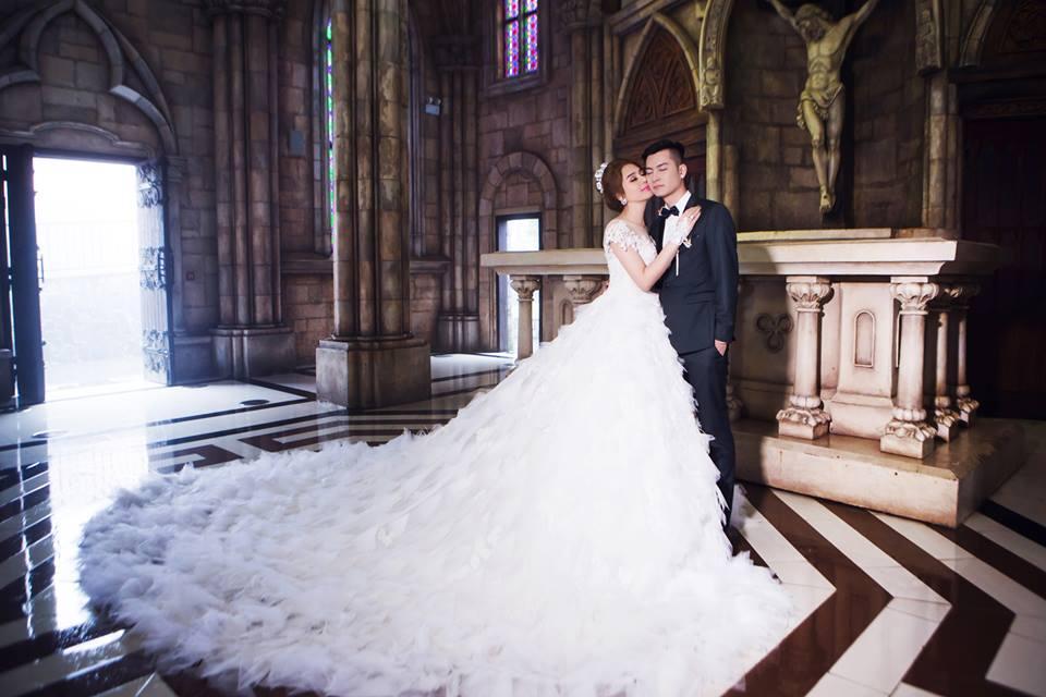 Ngắm bộ ảnh cưới lãng mạn trên biển của Lâm Khánh Chi và chồng trẻ-9
