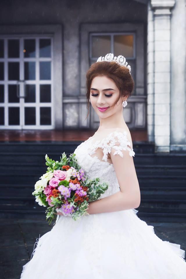 Ngắm bộ ảnh cưới lãng mạn trên biển của Lâm Khánh Chi và chồng trẻ-8