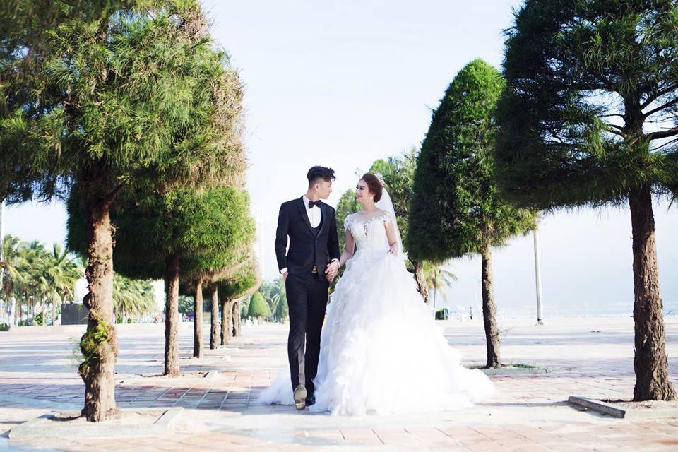 Ngắm bộ ảnh cưới lãng mạn trên biển của Lâm Khánh Chi và chồng trẻ-7