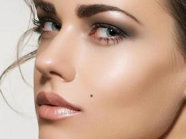 Những nốt ruồi ngăn cản vận may ở phụ nữ