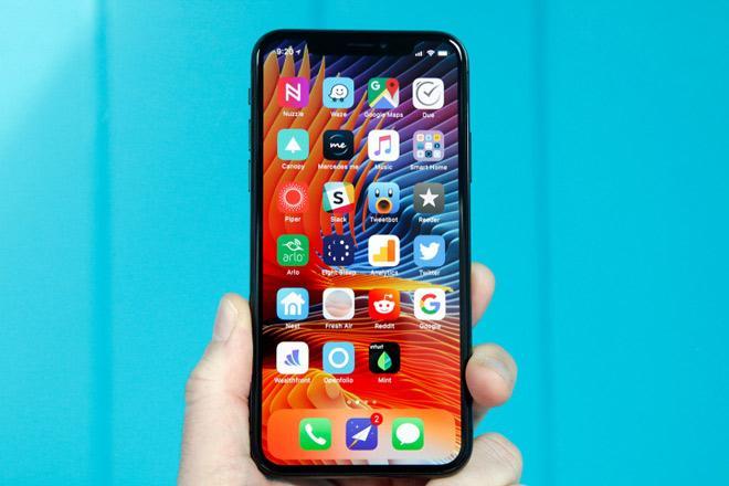 iPhone kế nhiệm vẫn sẽ có phiên bản màn hình LCD-1