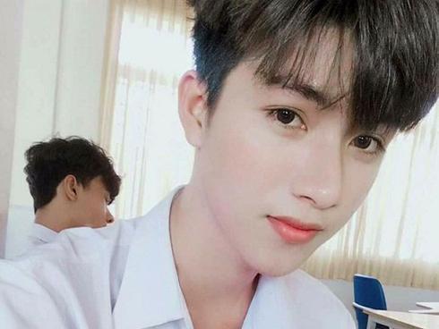 Mỹ nam Đồng Nai được khen 'đẹp hơn hoa' chỉ với bức ảnh chụp 'tự sướng'