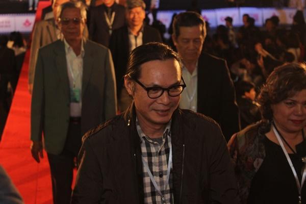 Dàn sao Việt càn quét thảm đỏ ngày đầu của Liên hoan phim Việt Nam-6