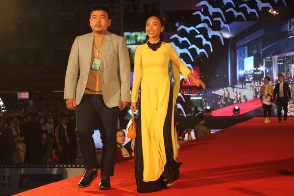 Dàn sao Việt càn quét thảm đỏ ngày đầu của Liên hoan phim Việt Nam-8