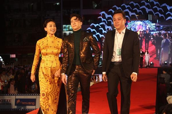 Dàn sao Việt càn quét thảm đỏ ngày đầu của Liên hoan phim Việt Nam-10