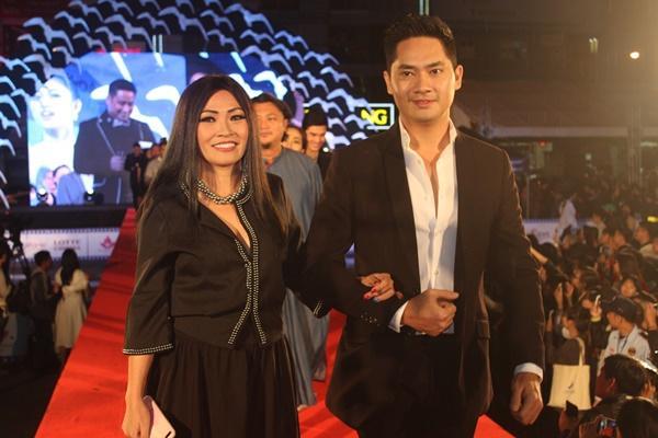 Dàn sao Việt càn quét thảm đỏ ngày đầu của Liên hoan phim Việt Nam-11