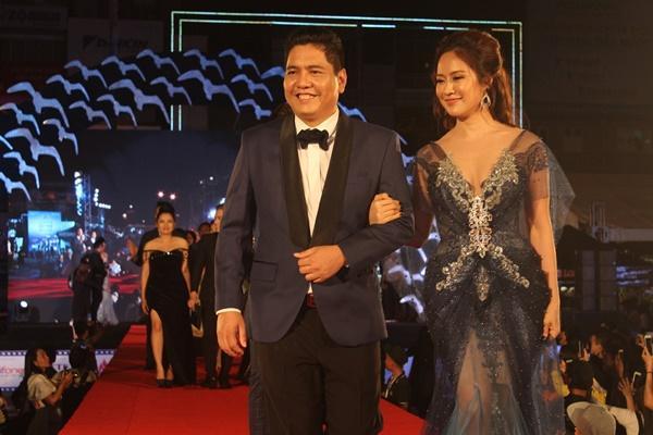 Dàn sao Việt càn quét thảm đỏ ngày đầu của Liên hoan phim Việt Nam-13