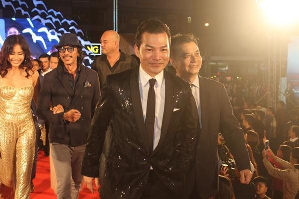 Dàn sao Việt càn quét thảm đỏ ngày đầu của Liên hoan phim Việt Nam-14