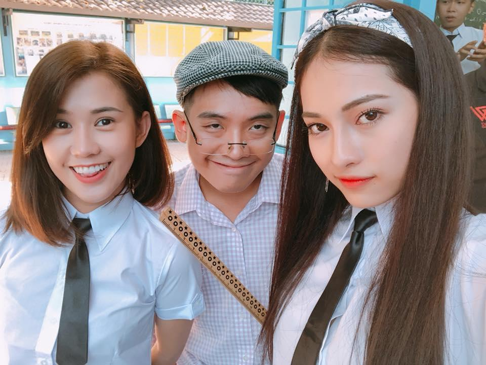 Hot girl - hot boy Việt 26/11: Diện váy xẻ sâu, Huyền Baby lấp ló vòng 1 vạn người mê-7