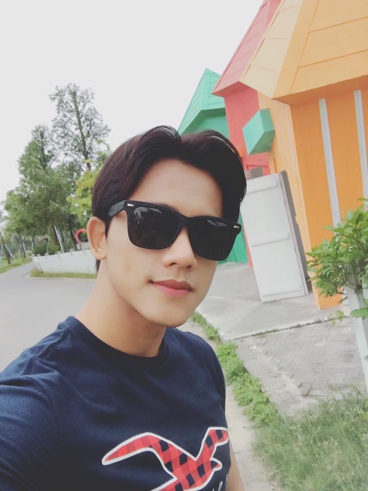 Hot girl - hot boy Việt 26/11: Diện váy xẻ sâu, Huyền Baby lấp ló vòng 1 vạn người mê-10