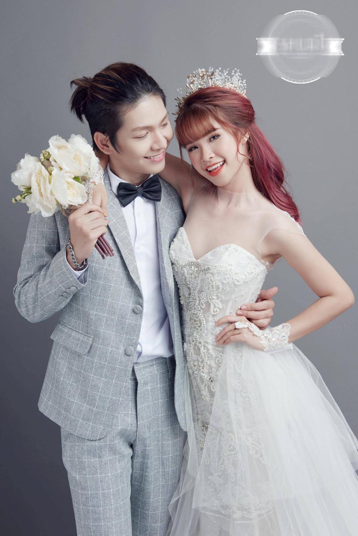 Khởi My mặc váy ôm sát gợi cảm trong bộ ảnh cưới với Kelvin Khánh-1 Khởi My mặc váy ôm sát gợi cảm trong bộ ảnh cưới với Kelvin Khánh