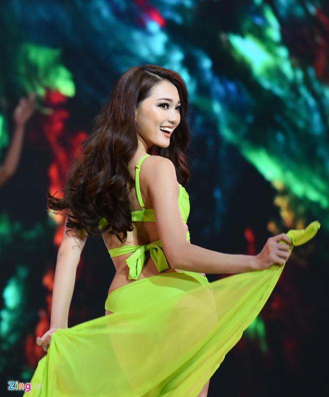 Hoa hậu Hoàn vũ Việt Nam hoãn chung kết đến tháng 1 vì bão ở Nha Trang-1