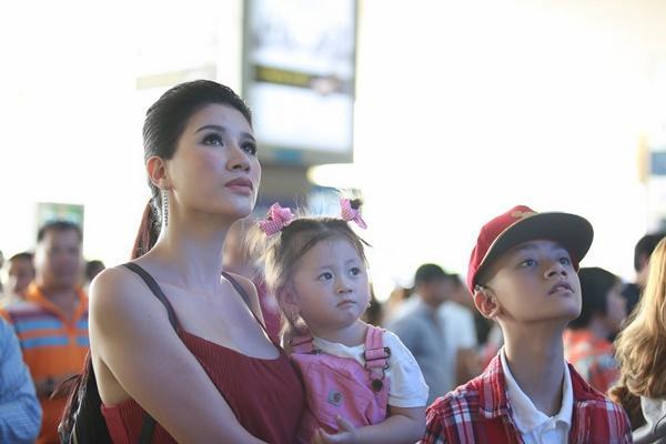 Cuối cùng thì Trang Trần cũng công khai ông xã bảnh bao từ Mỹ về dự sinh nhật con gái-3