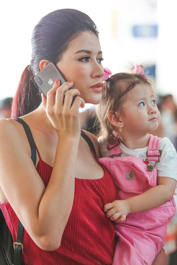Cuối cùng thì Trang Trần cũng công khai ông xã bảnh bao từ Mỹ về dự sinh nhật con gái-4