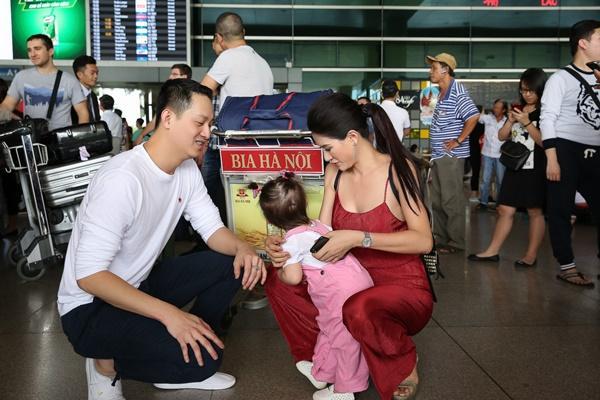 Cuối cùng thì Trang Trần cũng công khai ông xã bảnh bao từ Mỹ về dự sinh nhật con gái-5