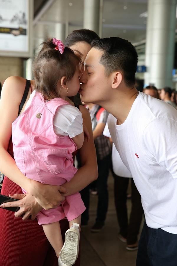 Cuối cùng thì Trang Trần cũng công khai ông xã bảnh bao từ Mỹ về dự sinh nhật con gái-6