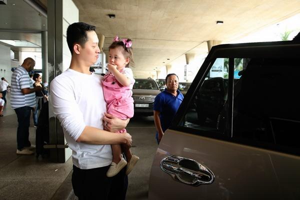 Cuối cùng thì Trang Trần cũng công khai ông xã bảnh bao từ Mỹ về dự sinh nhật con gái-9