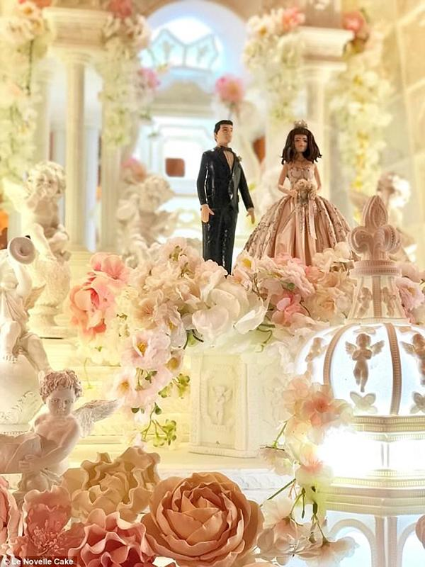 Chiêm ngưỡng chiếc bánh cưới cao 5m đẹp như lâu đài trong cổ tích-2