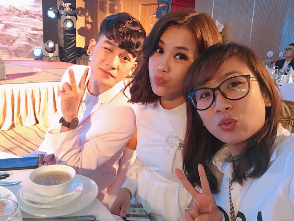 Hot girl - hot boy Việt 28/11: Anh trai Bảo Thy ngọt ngào nịnh vợ-3