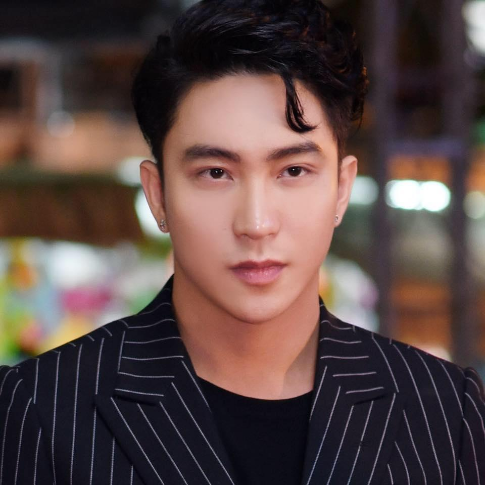 Hot girl - hot boy Việt 28/11: Anh trai Bảo Thy ngọt ngào nịnh vợ-4