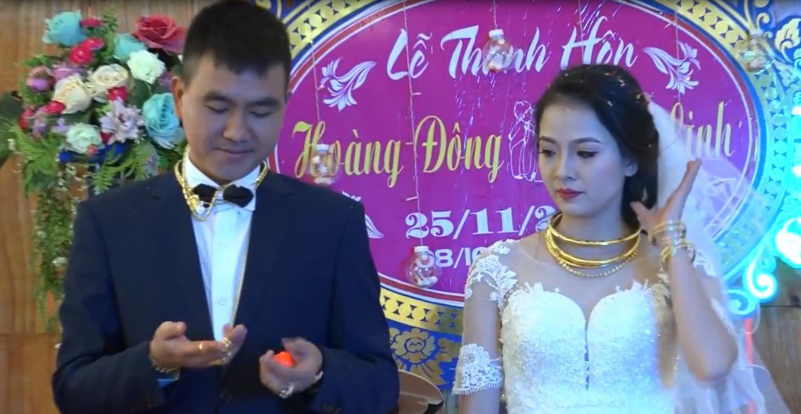 Cặp đôi hạnh phúc nhất năm: Người thân, họ hàng xếp hàng trao vàng làm của hồi môn-3