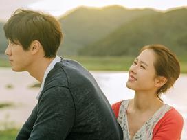 So Ji Sub và Son Ye Jin 'đốn tim' fan với loạt ảnh ngọt ngào