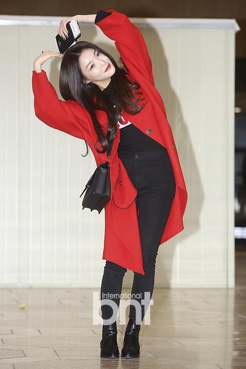 Di chuyển sang Nhật trao giải MAMA, Park Bo Gum cùng dàn Idol xứ Hàn khiến sân bay náo loạn-11