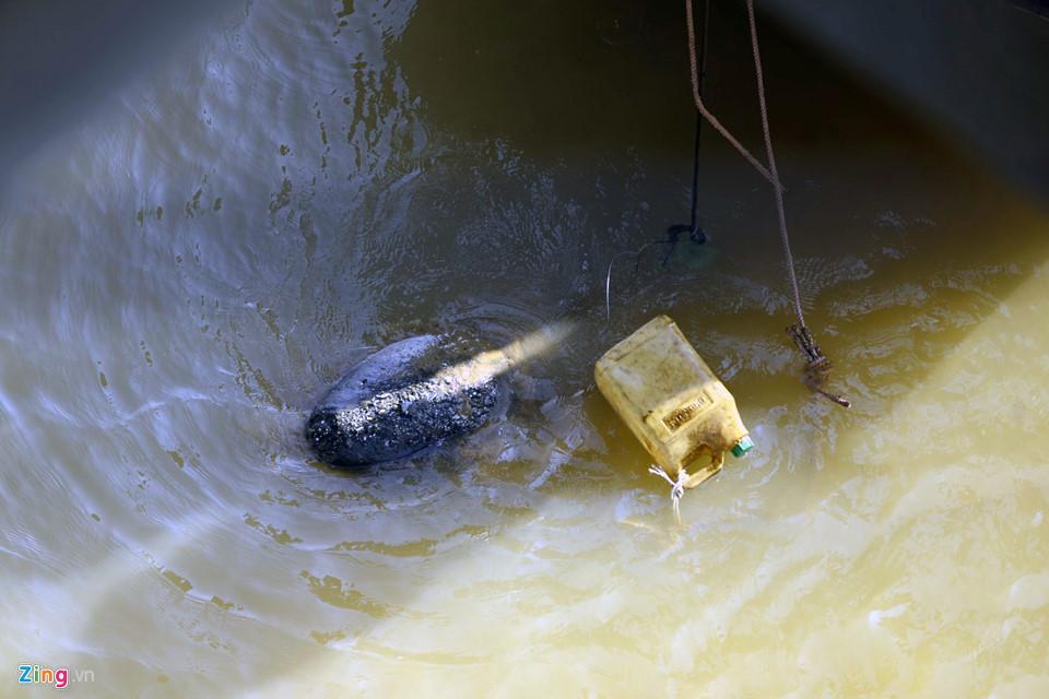 Bộ đội trục vớt quả bom sát chân cầu Long Biên-7
