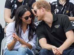 Hoàng tử Anh ngỏ lời cầu hôn khi đang... nướng gà