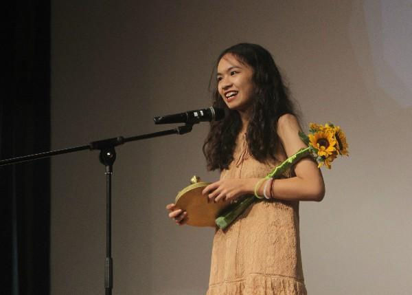 Làm phim về ông bà, cựu HS trường Ams ẵm cùng lúc 3 giải thưởng Búp sen Vàng-1